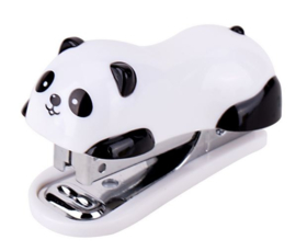 Mini nietmachine panda met doosje nietjes