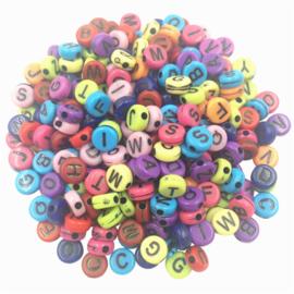 100 stuks gekleurde alfabetkralen