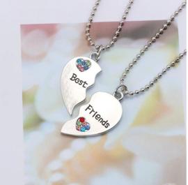 2-delige ketting + hangers Best Friends hart met strass steentjes