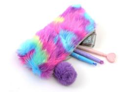 Pluche etui regenboog kleuren 21x10.5 cm