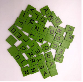 100 stuks houten Scrabble letters groen