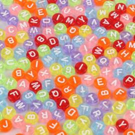 300 stuks ronde gekleurde alfabetkralen