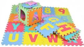Vloerpuzzel - puzzelmat met letters en cijfers totale oppervlakte 3.5m2