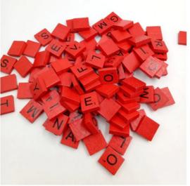 100 stuks houten Scrabble letters rood