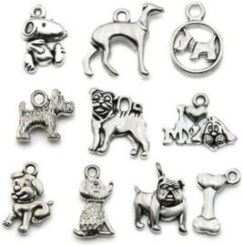 15 stuks metalen bedels / hangers hond
