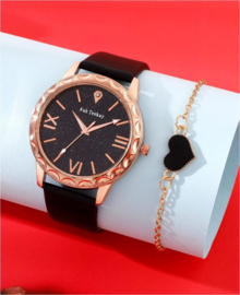 Horloge zwart met armbandje hartje