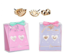 2 setjes meiden oorbellen Lisa en Lena goud-en zilverkleur in cadeau doosjes