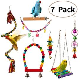 Pakket met 7 stuks kleurrijk vogelspeelgoed - parkieten en kleine papegaaien (pakket nr. 2)