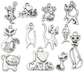 12 stuks metalen bedels / hangers kat