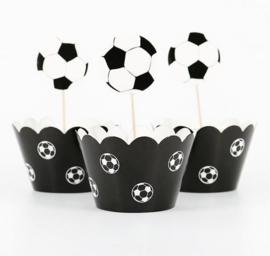 12 stuks cupcake omslagen + 12 toppers voetbal