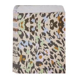 50 stuks papieren cadeauzakjes luipaardprint 13x10 cm