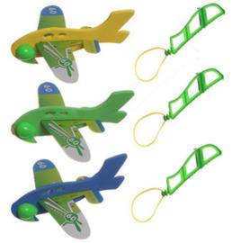 12 stuks wegschiet vliegtuigjes - uitdeelcadeautjes