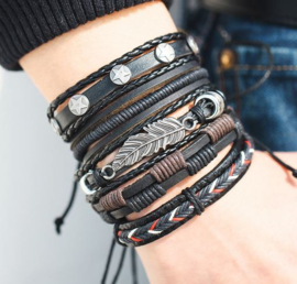 Multilayer armband met veer
