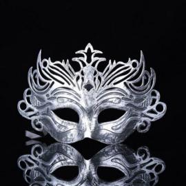 Zilverkleurig venetiaans masker