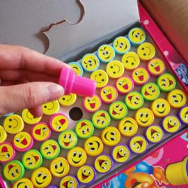 6 stuks kleine smiley stempeltjes