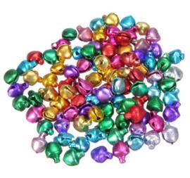 100 stuks kleine belletjes multicolor 6mm