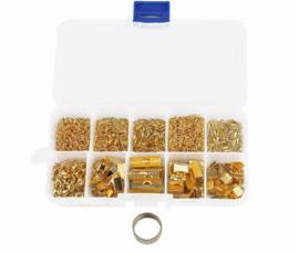 Onderdelen sieradenset goudkleur in opbergdoosje