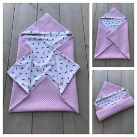Wikkeldeken - Licht roze / Veertjes