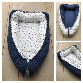Babynestje - Jeans Blauw /  Veertjes