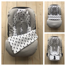 Maxi Cosi set - Soft Poeder Grijs / Hooks - Pebble