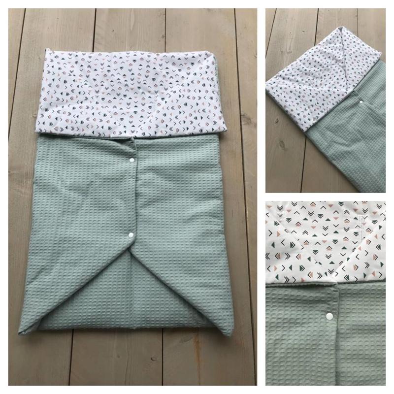 Multi deken - Oud groen / Driehoekjes