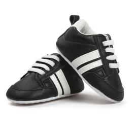 sneaker: Baby black