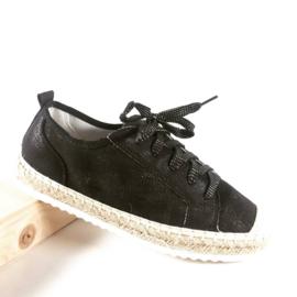 WH sneaker zwart witte zool