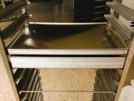 Aluminium plateau 40 cm x 60 cm. Zéér sterke kwaliteit, plaatsbesparend door stapelbaar, naadloos!