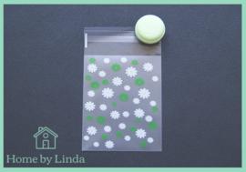 Cellofaan zakjes wit groene bloem 8 cm x 10 cm (set van 10 stuks)