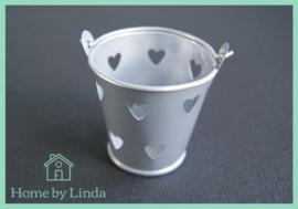 Geschenkemmertje zilver met hartjes 6 cm x 5,2 cm x 4,2 cm (per stuk)