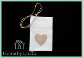 """Geschenkzakjes jute """"look"""" hart bruin 10 cm x 14 cm (set van 3 stuks)"""