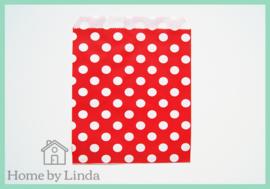 Papieren zakjes rood met witte stippen 13 cm x 18 cm (set van 10 stuks)