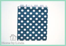 Papieren zakjes blauw met witte stippen 13 cm x 18 cm (set van 10 stuks)