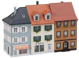 H0 | Faller 190423 - Stadhuizen met toebehoren