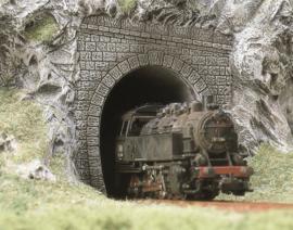 H0 | Busch 7025 - Twee stoomlocomotief portalen