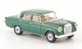H0 | Brekina Starmada 13351 - Mercedes 190c (W 110), donkergroen, zonder omkarton