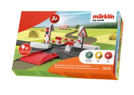 H0 | Märklin my world 72215 - Railroad Grade Crossing with Light and Sound Function