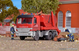 "H0 | Kibri 18268 - MB Actros portaalarmwagen ""Feuerwehr"""