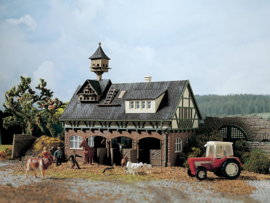 H0   Vollmer 43726 - Stable with pigeonry and horse boxes