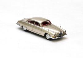 H0 | NEO 87295 - 1961 Jaguar MK10 - Gold Metallic