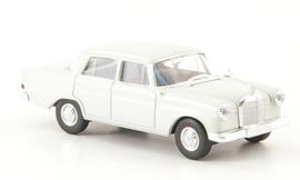H0 | Brekina Starmada 13350 - Mercedes 190c (W 110) , lichtgrijs, zonder omkarton