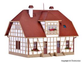 H0 | Vollmer 43654 - Half-timbered settlement house