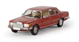 H0 | Brekina Starmada 13152 - Mercedes-Benz 450 SEL Limousine (W 116), karmijnrood