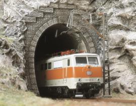 H0 | Busch 7024 - Twee E-locomotief portalen