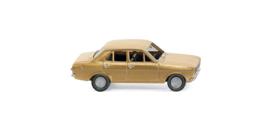 H0   Wiking 020302 - Ford Escort 4deurs, gold met.(1)