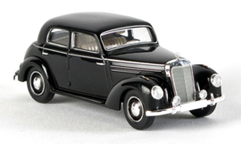 H0 | Brekina Starmada 13050 - MB 220 Limousine, zwart