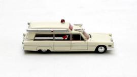 H0 | NEO 87610 - 1966 Cadillac S&S Ambulance - White