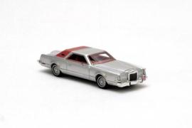 H0 | NEO 87257 - 1976-1979 Lincoln Continental Mark V - Silver Metallic