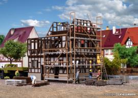 H0 | Vollmer 46889 - Vakwerkhuis in aanbouw