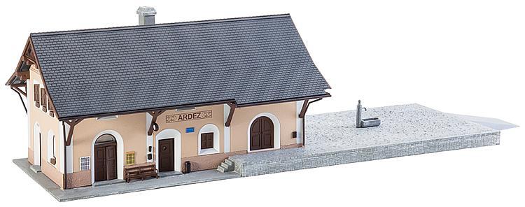 H0   Faller 110125 - Station Ardez